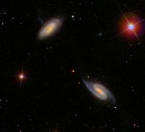 Resultado de imagen de Es el espacio el que se expande y arrastra a las galaxias que se alejan las unas de las otras