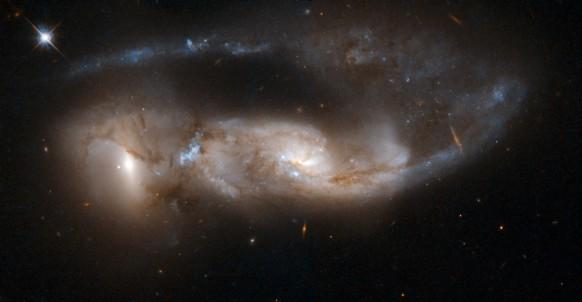Foto NGC 6621.jpg