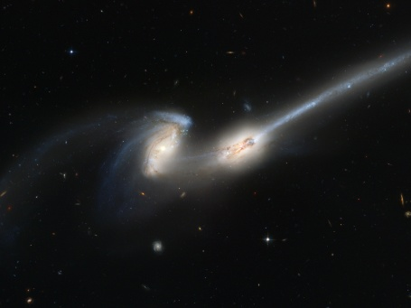 Foto NGC 4676.jpg