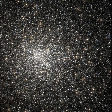 1200px-messier_62_hubble_wikisky